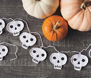 Crochet Skull Garland